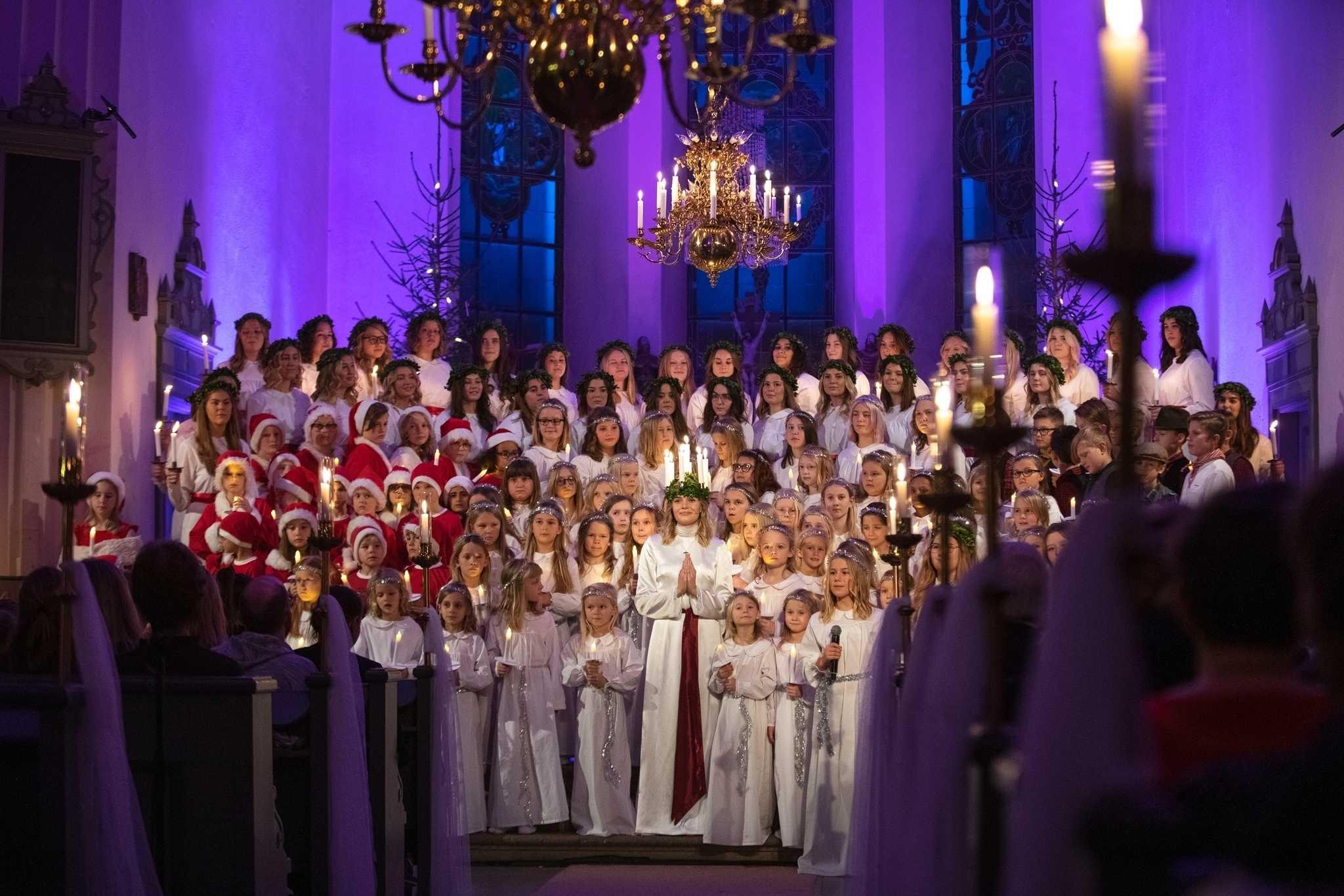 Gränna Lucia sprider ljus till hela Sverige 1