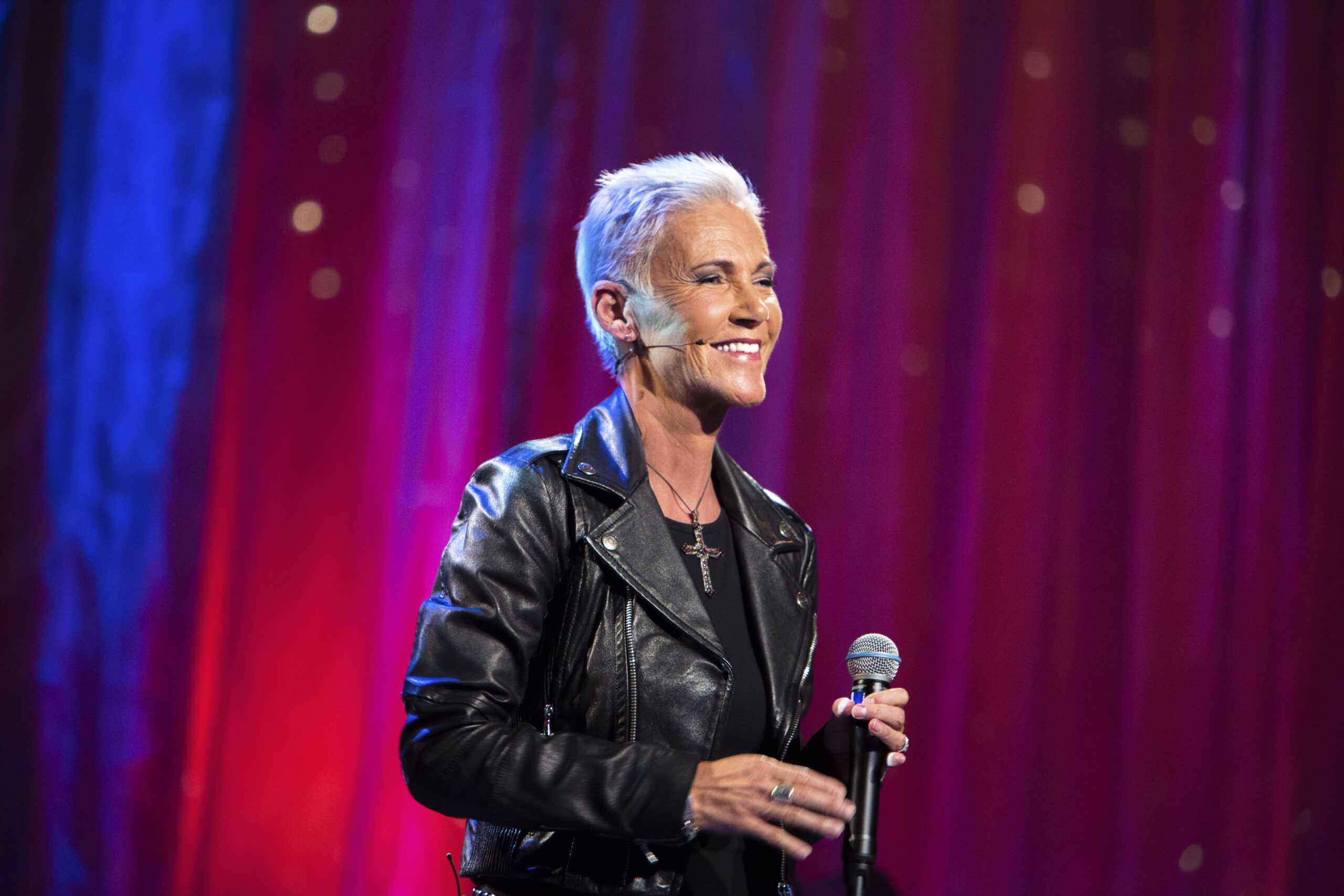 Sveriges artistelit hyllar Marie Fredriksson på Stora Teatern 1