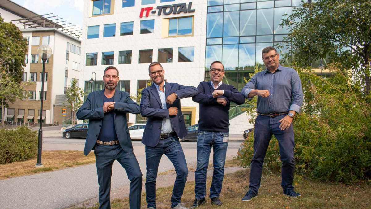 IT-Total går samman med konsultbolaget EnvokeIT – stärker sin position inom molntjänster och digital arbetsmiljö. 3