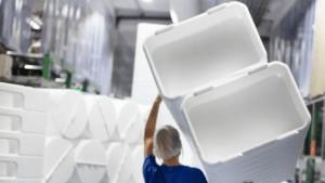 Ökad återvinning av industrins plastförpackningar ger vinster för klimat och företag