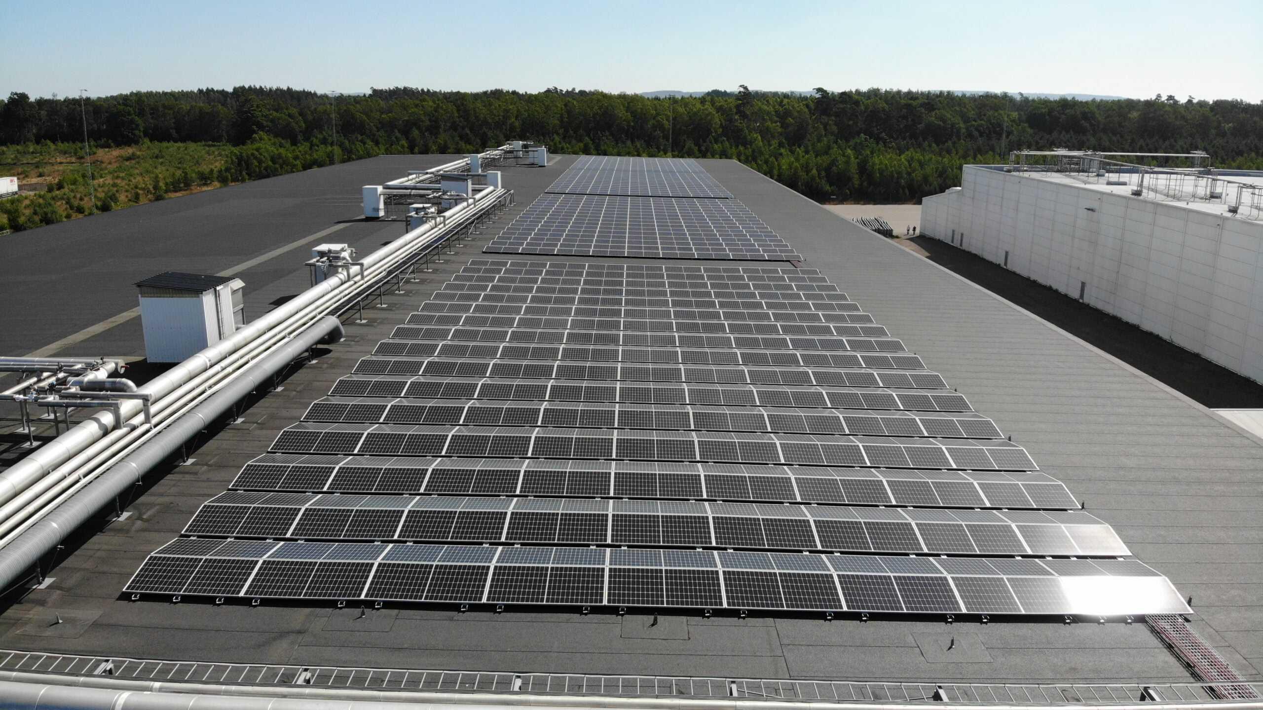 Martin & Servera dubblerar produktionen av solenergi